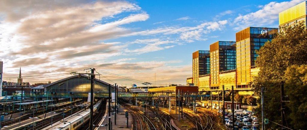 météo à Lille : la gare de Lille Flancres et Euralille sous un ciel nuageux