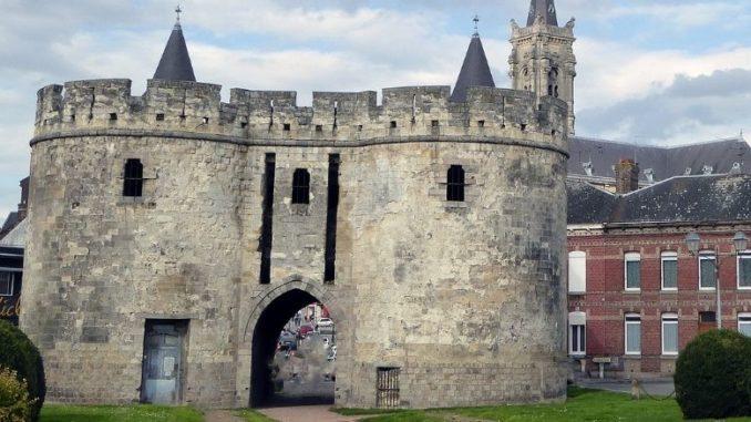 Porte De Paris À Cambrai Monument Historique