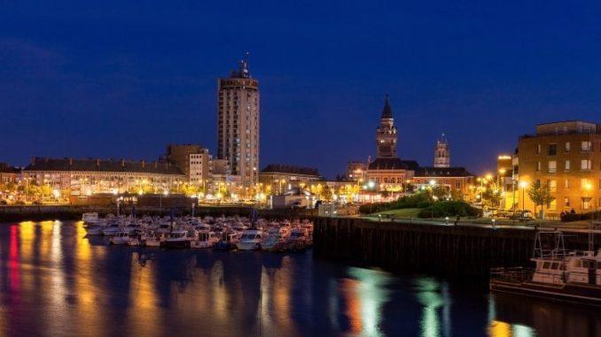 Nord De La France Dunkerque De Nuit Depuis Le Port